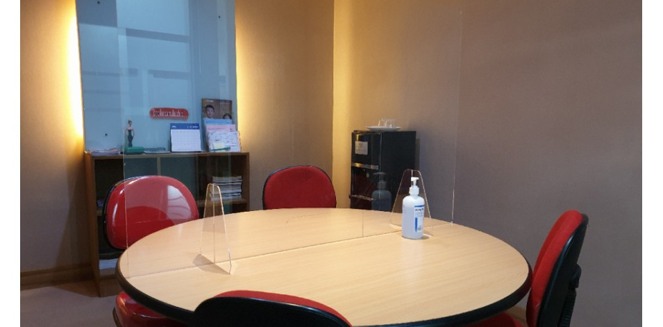 Acrylic Table Shield for Meeting Room